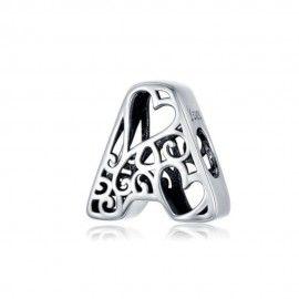 Zilveren alfabet bedel letter A met hartjes