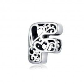 Charm alphabet en argent lettre F avec des coeurs