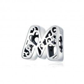 Zilveren alfabet bedel letter M met hartjes
