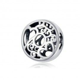 Charm alphabet en argent lettre O avec des coeurs