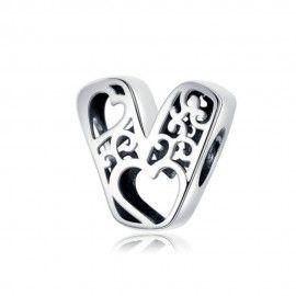 Charm alfabeto in argento lettera V con con cuori